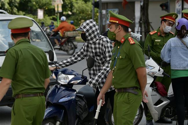 Hà Nội xử phạt 900 trường hợp vi phạm phòng chống dịch trong ngày 19/8