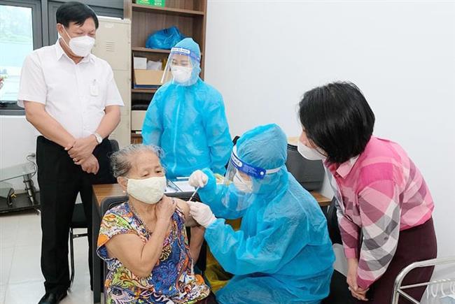 Bộ Y tế tiếp tục chấn chỉnh tình trạng thu phí, trục lợi từ tiêm vắc xin Covid-19