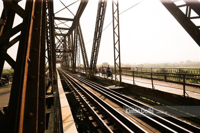 (Ảnh) Cầu Long Biên được bảo trì nhiều hạng mục, sẵn sàng thay